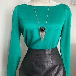 Slinky Kelly green Banana Republic blouse